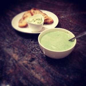 Swedish spinach soup