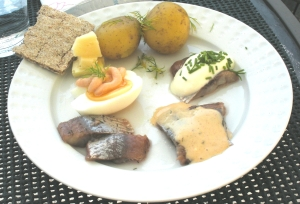 Plate with herring