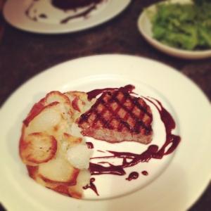 Beef tenderloin with chocolate-red wine sauce