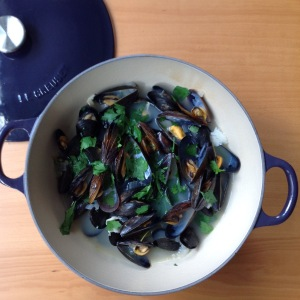 Mussels in pot